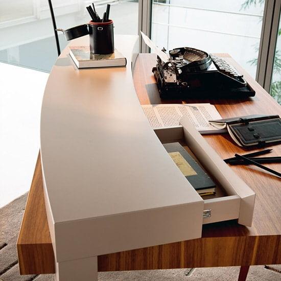 γραφείο leonardo